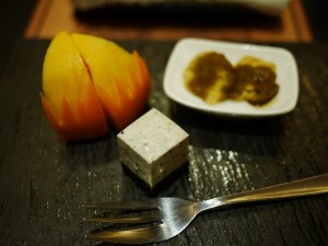 Dessert of Japanese mocha, cheese cake and fresh fruits (1024x768)